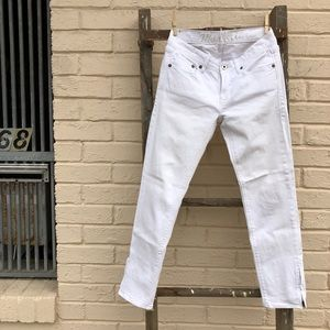 Madewell skinny white jeans with leg side zippers